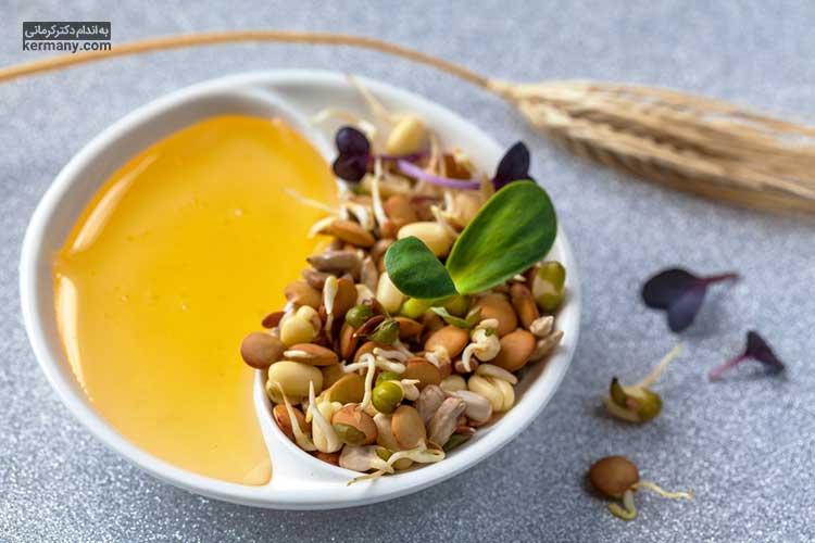 برای دریافت کالری بیشتر شیر را با مغزها و مقادیر متعادل عسل و جوانه گندم مخلوط کنید.