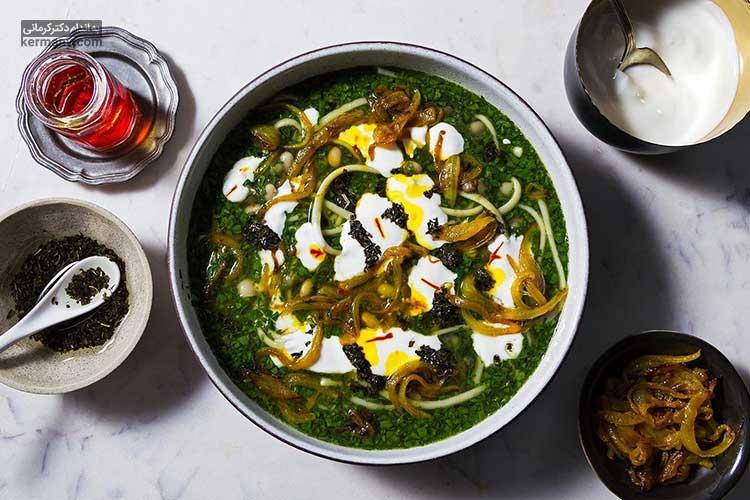 آش رشته یک غذای سنتی و سرشار از مواد مغذی است که به شیوه های گوناگونی تهیه می شود.
