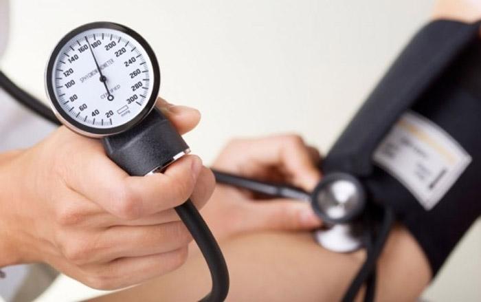 نقش فعالیت بدنی و اضافه وزن در فشار خون رژیم لاغری