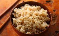 ترفندی ساده برای خوش طعم کردن برنج قهوه ای