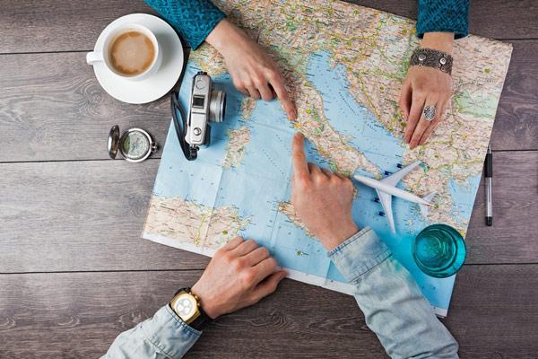 زیاد به مسافرت می روید