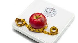 برای کاهش وزن باید تلاش کنیم یا نه؟
