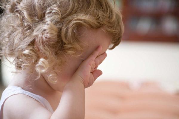 کودکتان بیش از هر زمان دیگری گریه می کند