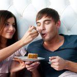 چرا وزن کسانی که رابطه ای شاد دارند تغییر می کند