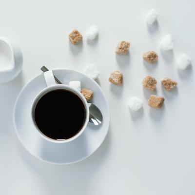 چگونه عادت به نوشیدن قهوه طعم دار شده را درست کنیم