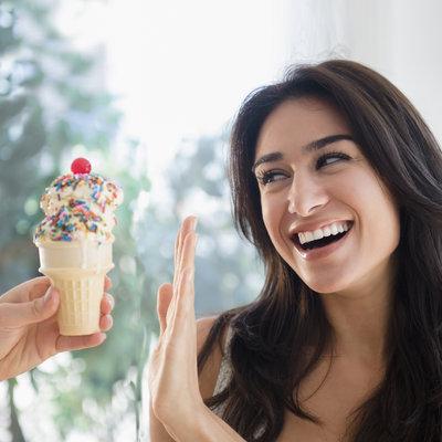 چگونه غذا خوردن استرسی را متوقف کنیم؟
