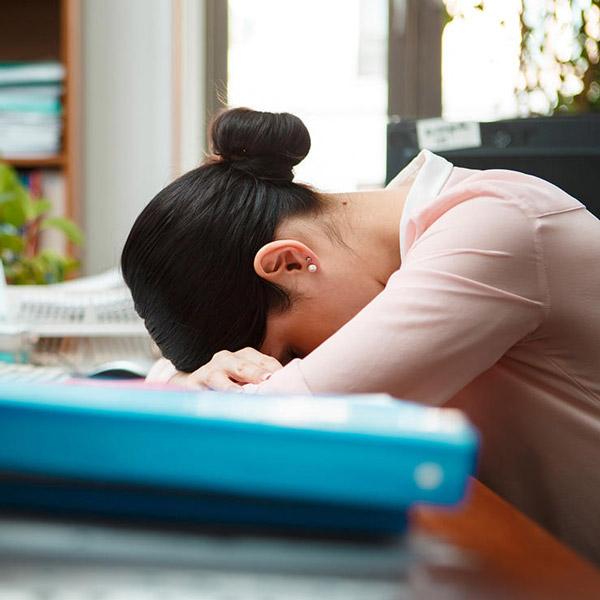 اشتباه پنجم: اگر احساس خستگی می کنید احتمالا به اندازه کافی پروتئین دریافت نکرده اید.