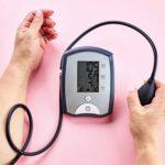 فشار خون بالا یکی از عوامل اصلی بیماریهای مانند بیماری های قلبی است و لازم است با دانستن علائم فشار خون بالا، این بیماری را کنترل کنید.