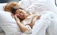 برنامه ی خواب، چگونه می تواند روی وزنتان تاثیر بگذارد؟