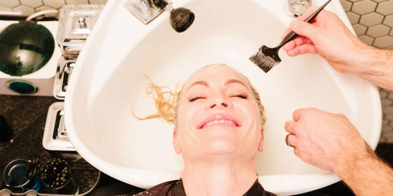 شایعاتی درباره موها که نباید باور کنید! پوست و مو رژیم لاغری دکتر کرمانی