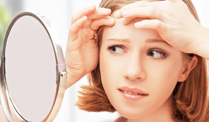 بهترین توصیه های یک متخصص پوست و مو درباره کنترل آکنه جوش صورت دکتر کرمانی
