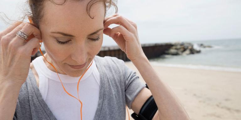 گوش کردن موزیک این غذاها را بخورید و سریعتر بدوید تغذیه سالم رژیم لاغری