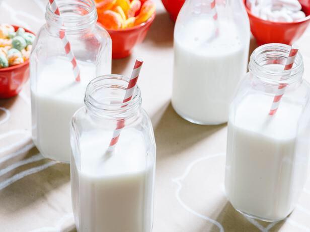 بهترین راه برای تامین آب بدن به جز نوشیدن آب چیست؟ شیر رژیم لاغری