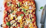 پیتزا گوجه فرنگی، ریحان و ذرت آشپزی رژیمی کاهش وزن