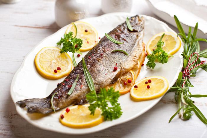 مواد لازم برای داشتن چشمانی قوی ماهی کاهش وزن
