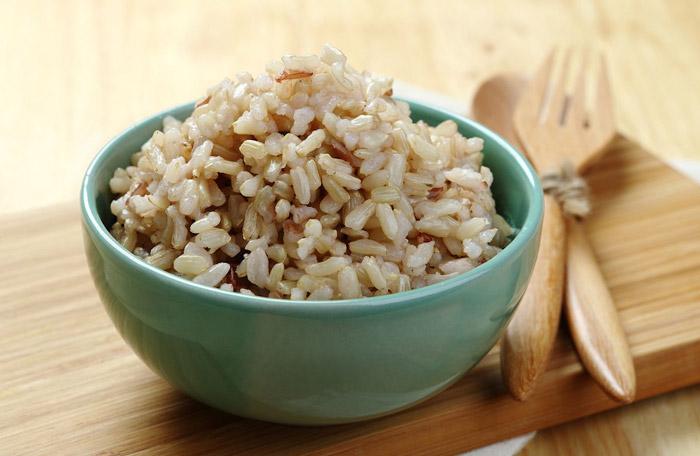 مواد لازم برای داشتن چشمانی قوی برنج قهوه ای کاهش وزن