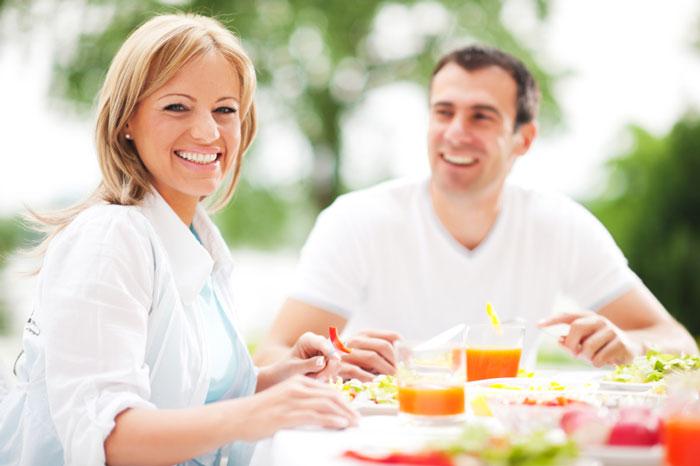 چگونه به عنوان زن و شوهر بدون کشتن هم وزن کم کنیم! زن و شوهر غذا
