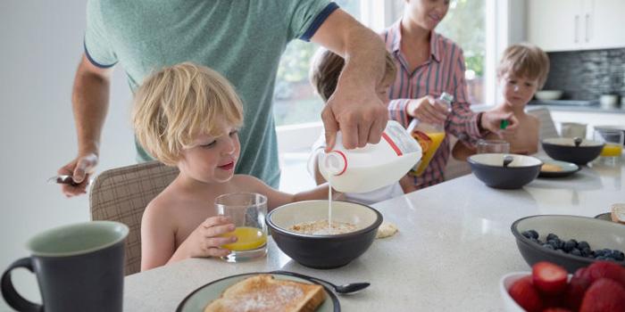 چرا به کودکتان صبحانه می دهید؟ تغذیه سالم رژیم دکتر کرمانی