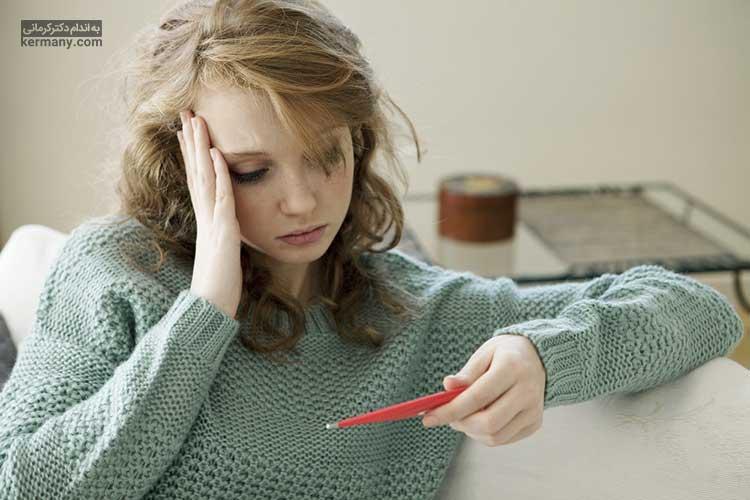 گاهی کیست تخمدان عفونی میشود که میتواند منجر به تب گردد.