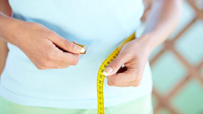 کدامیک برای دنبال کردن میزان کاهش وزن بهتر است: متر خیاطی یا ترازو؟