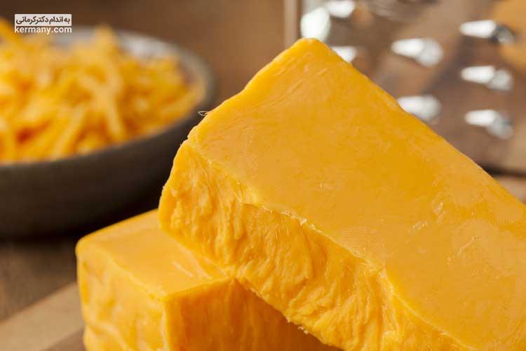 پنیر چدار دارای مقادیر فراوانی از اسید لینولئیک است که می تواند به عضله سازی کمک زیادی کند.