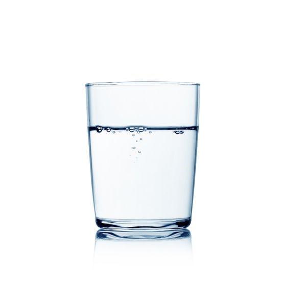 اگر غذا خوردید و باز هم احساس گرسنگی داشتید ابتدا یک لیوان آب بنوشید