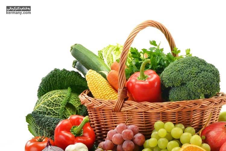 میوه ها و سبزیجات سرشار از فیبر هستند و کاهش یا قطع مصرف آن ها، موجب افزایش احتمال ابتلا به یبوست می شود.