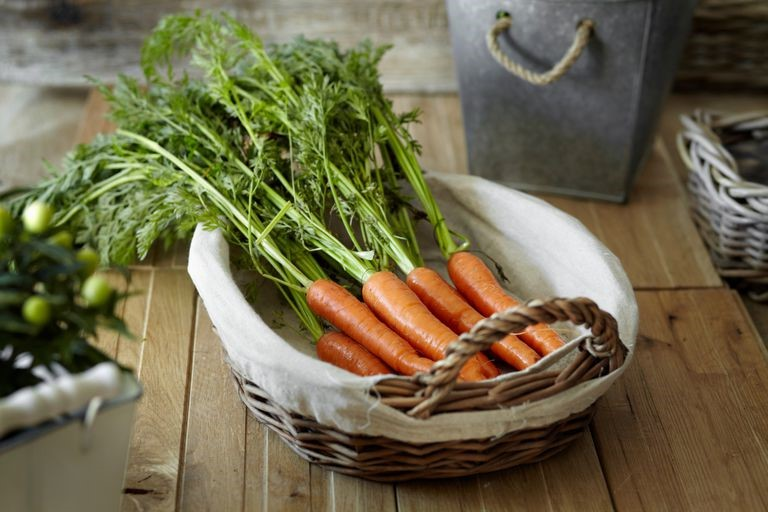 خواص هویج برای پوست