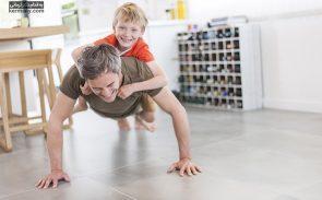 با رعایت برخی نکات مانند کنترل برنامه غذایی و افزایش فعالیت فیزیکی میتوان چربی سوزی قوی شکم را در خانه و بدون مراجعه به پزشک، تجربه کرد.