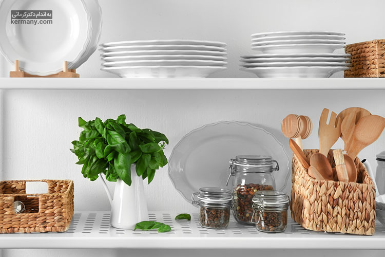 برای این که به مصرف خوراکی های ناسالم وسوسه نشوید، آشپزخانه خود را از این خوراکی ها خالی کنید.