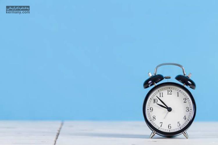 چاقی و بی خوابی ارتباط مستقیم با یکدیگر دارند و برای کاهش وزن موفق، لازم است برنامه خواب صحیحی داشته باشید.