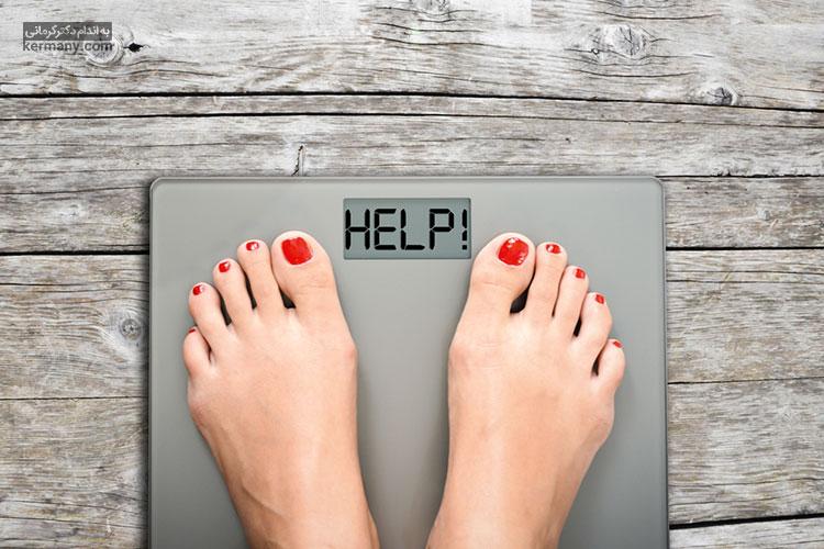 وزنی که ترازو به شما نشان میدهد متاثر از فاکتورهای مختلفی است. بنابراین لازم است با در نظر گرفتن شرایط و در زمان صحیح خود را وزن کنید.