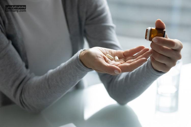 برای درمان سردرد در ماه رمضان می توانید تحت نظر پزشک، دارو مصرف کنید.