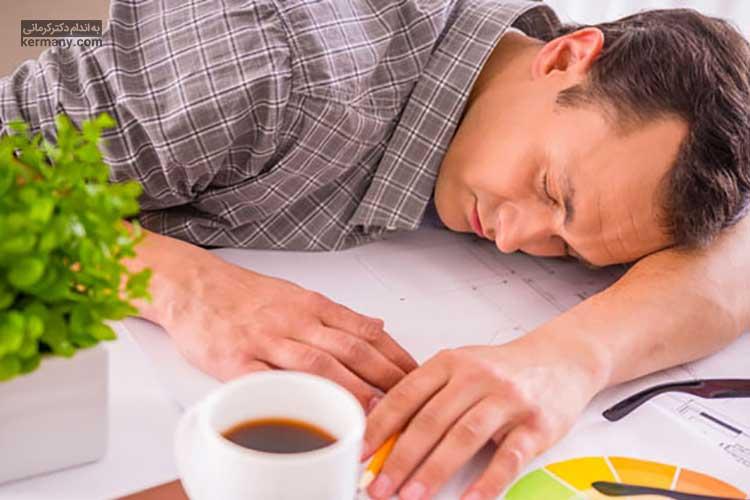 یکی از علائم اختلالات تیروئید، کم بودن انرژی بدن و کسالت است.