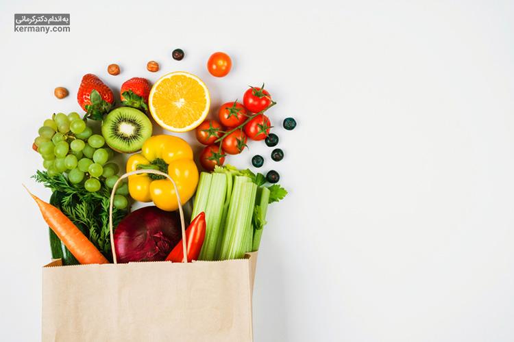 برای تقویت سیستم ایمنی بدن در برابر کرونا و پیشگیری از چاقی در دوران قرنطینه، باید مصرف غذاهای سالمی مانند میوه و سبزیجات را در اولویت قرار دهید.