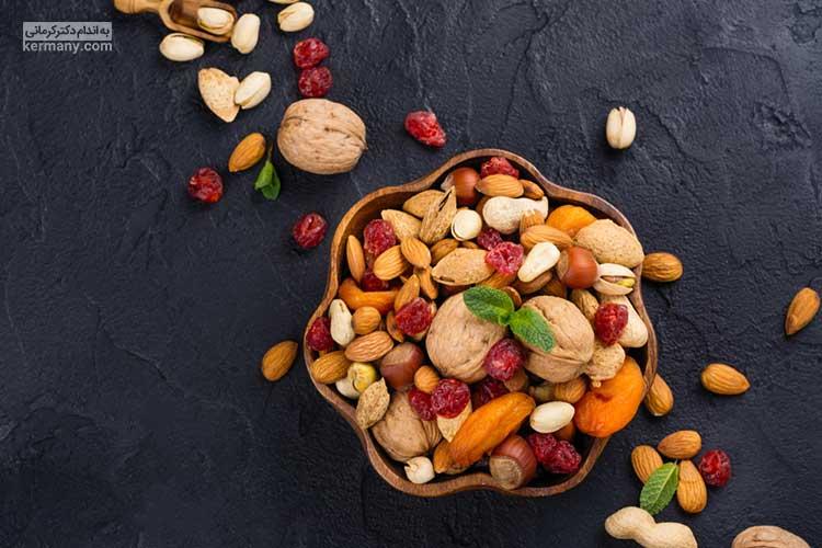 آجیل ها و مغزها به دلیل داشتن مواد مغذی مختلف و چربی های سالم، می توانند زمان بیشتری شما را سیر نگه دارند و عضو ثابت یک برنامه غذایی سالم به شمار می روند.