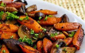 خوراک قارچ و سبزیجات بخارپز