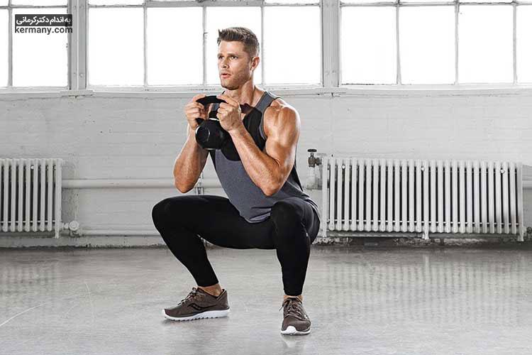 می توان از وزنه نیز در تمرین های ورزشی برای کوچک کردن باسن استفاده کرد.