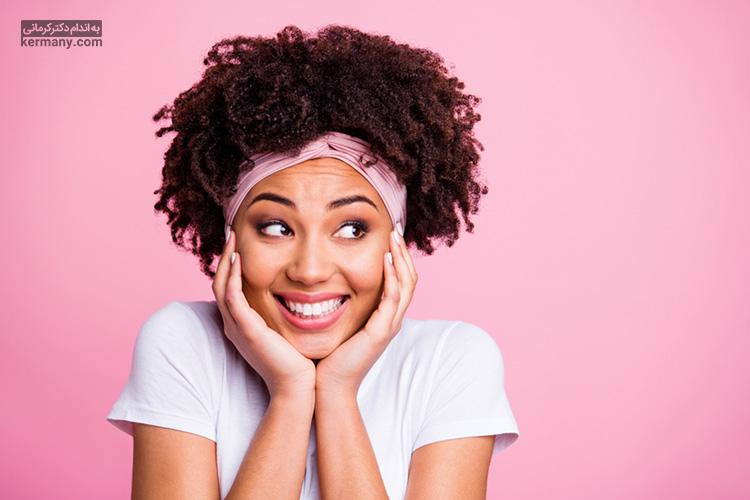 یکی از راهکارها برای پر شدن صورت، انجام ورزش صورت است که می تواند از افتادگی آن نیز جلوگیری کند.