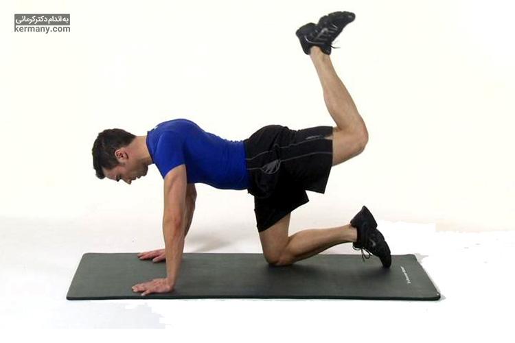 ورزش لگد به عقب برای لاغری شکم بسیار مفید است.