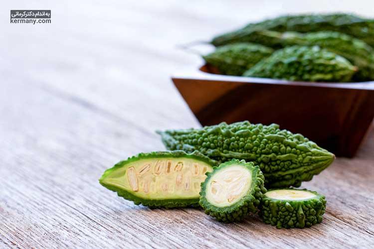 خربزه تلخ یا گویا یکی از خوراکی های رایج در رژیم اوکیناوا است.