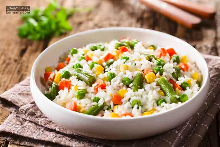 لاغری با رژیم برنج در یک برنامه غذایی بسیار کم کالری به دست می آید که در آن مصرف موادی مانند سدیم و چربی های اشباع، بسیار محدود شده است.